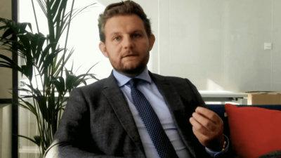 3 minutes de devéco avec Maxime Seno, avocat associé, spécialiste en droit public